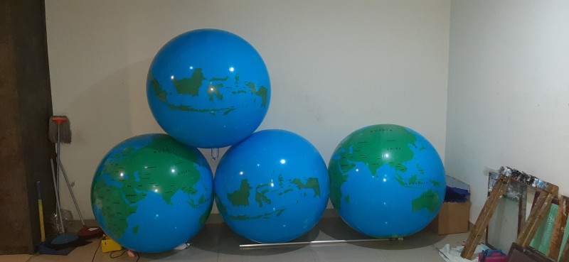 balon display globe