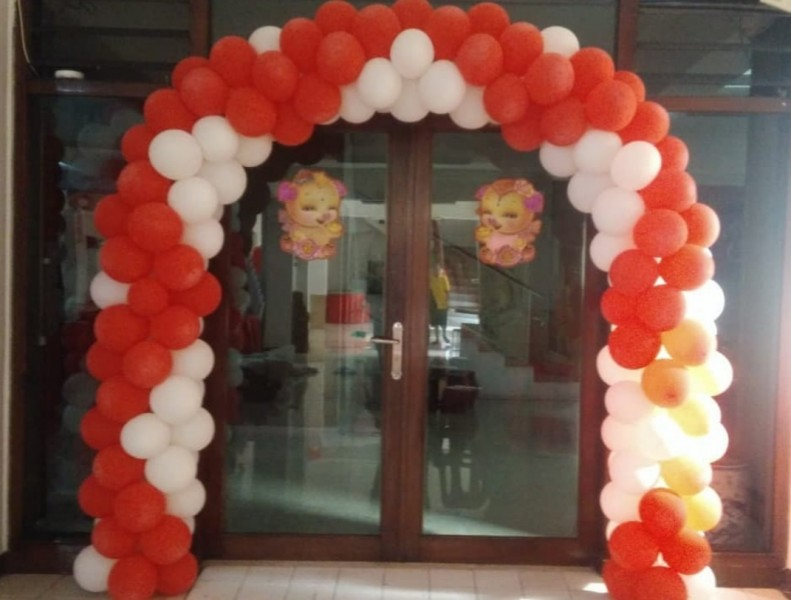 dekorasi balon gapura