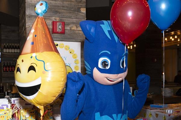 jual balon karakter emoji